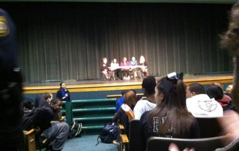 Sophomores attend Pirate Connections meeting