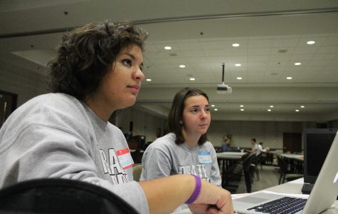 Students learn journalism skills from pros