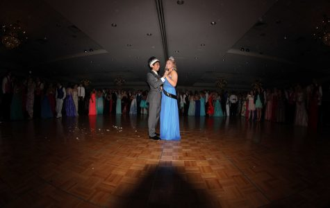 SLIDESHOW Prom 2014: Baker, Ratanasitee crowned prom queen, king