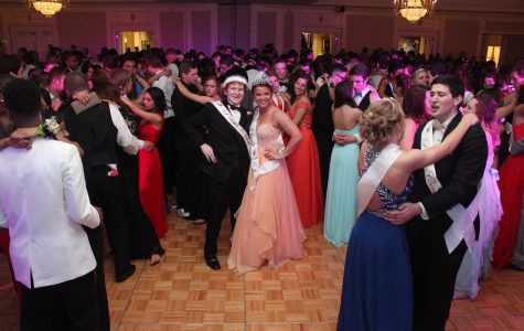 Opinion: Why is prom on a Friday?