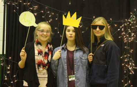 VIDEO, SLIDESHOW 8th graders learn about clubs, sports, activities during fair