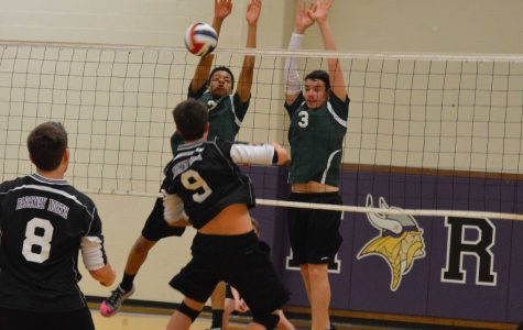 SLIDESHOW Volleyball takes 2 of 3 matches against Parkway North