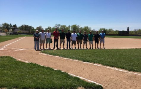 Baseball honors 1986 state championship team, go 1-1 during doubleheader