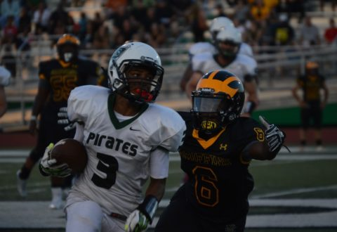 Pirates lose first game, hope to bounce back against Mehlville