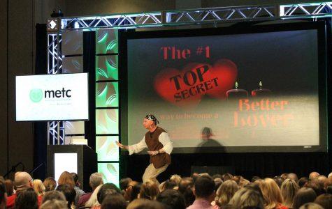 Burgess ignites a creative flame for educators at #METC17 keynote