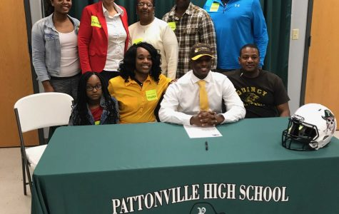 Washington signs to play football at Quincy University