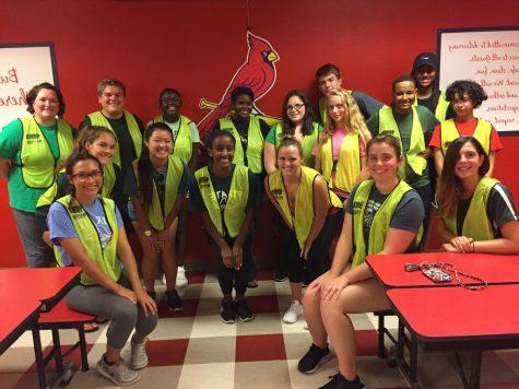 Key Club members volunteer at Cardinals game – PattonvilleTODAY