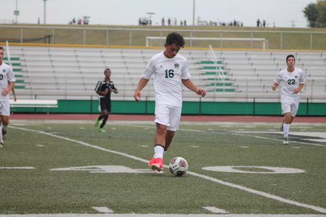 SLIDESHOW Varsity boys' soccer tops Whitfield 3-0