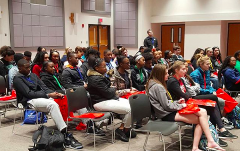 Pattonville students go on a bus tour of area colleges