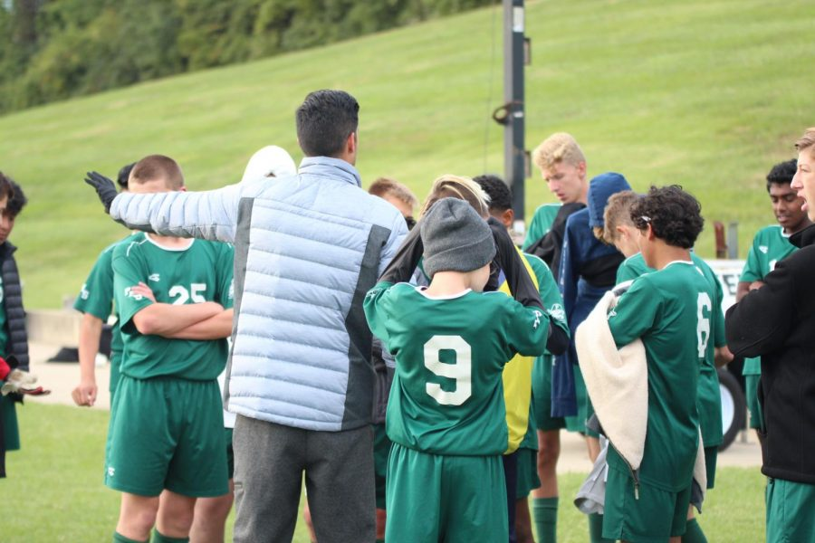 Coach+Patrick+Handrahan+instructs+the+freshman+team+during+halftime+of+a+game+against+Ritenour+High+School.