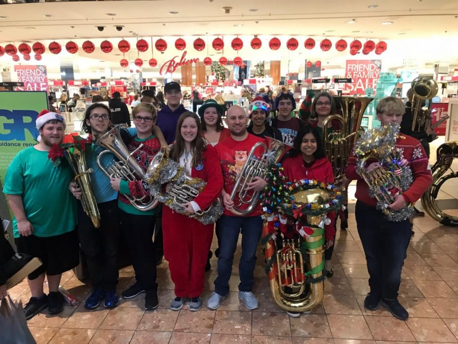 Pattonville+musicians+participated+in+the+annual+TubaChristmas+concert+at+the+St.+Louis+Galleria+Mall.+