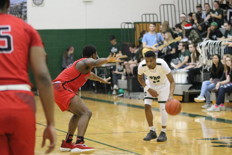 Boys' basketball plays Jennings on Dec. 14