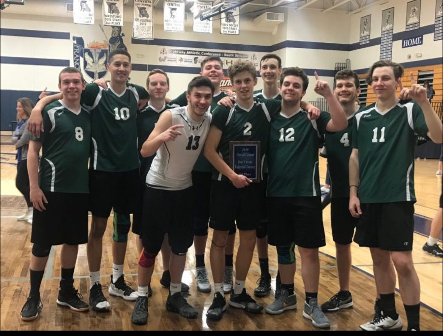 Boys+varsity+volleyball+team+holding+their+first+place+plaque+at+the+Francis+Howell+Central+touranment+