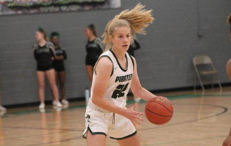 Girls' Basketball Strives for Victory