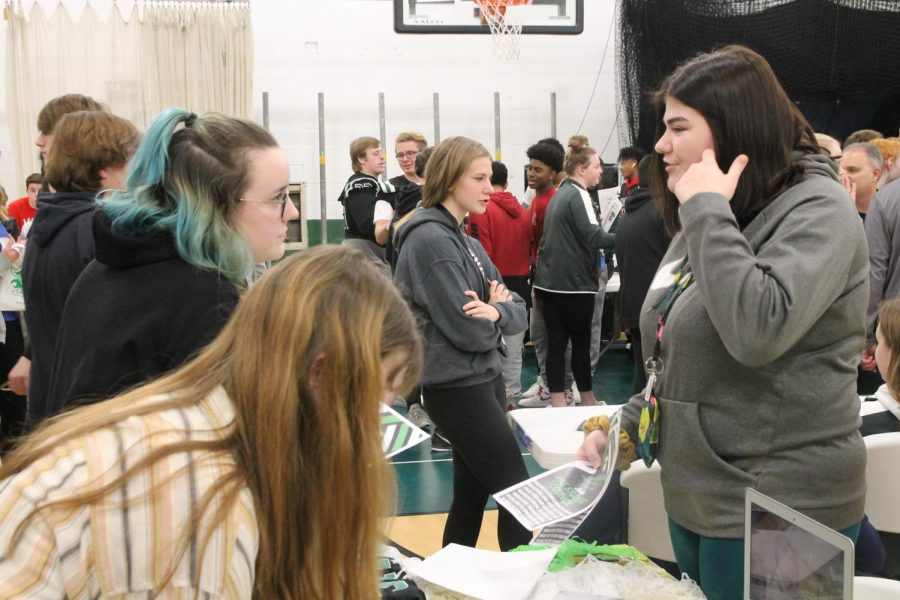 PHS Hosts Eighth Grade Activities Fair