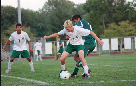 SLIDESHOW Varsity boys' soccer drops contest to Lindbergh 4-2