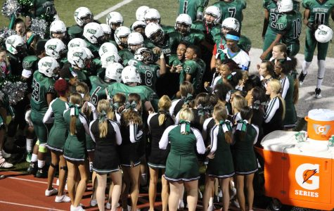 Football looks to avenge last year's loss, beat Chaminade in second round of districts