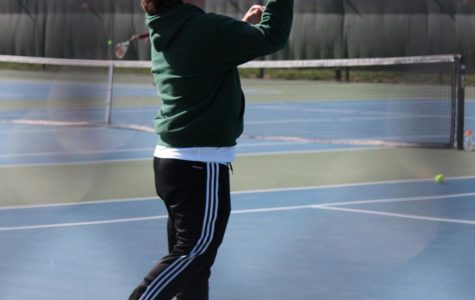 Lee prepares for final season of varsity tennis