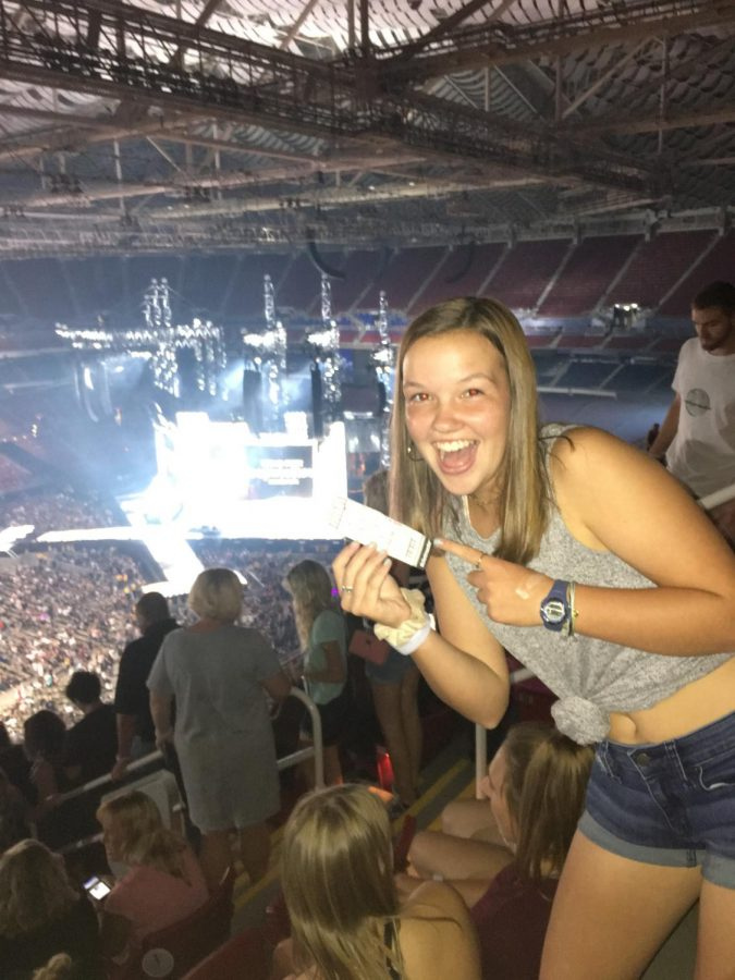 Johnson+won+tickets+to+the+Taylor+Swift+concert