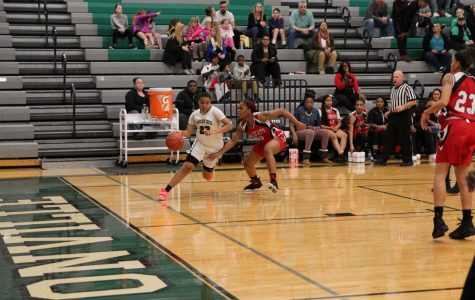 Girls' varsity basketball crumbles against Hazelwood West at home