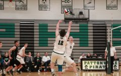Volleyball competes in Class 4 state playoffs at SLUH