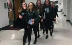 Cheerleaders Head to Dallas for Nationals