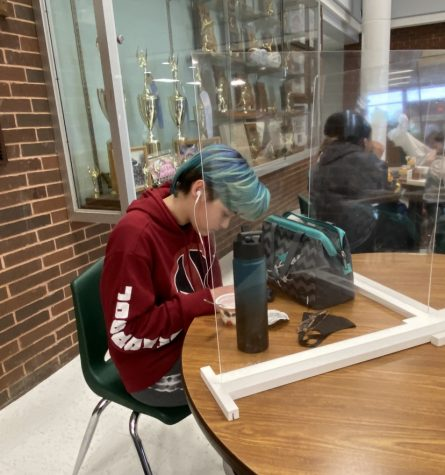 Cordelia Matulewic, sophomore, listens to music during lunch. Matulewic said, I find music very fun and enjoyable especially when Im in school, it works as an outlet.